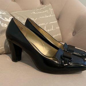 Bandolino dress shoe